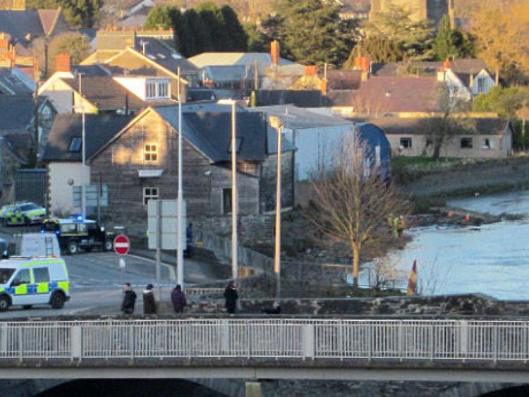 Police at River Teifi in Cardigan, West Wales. Pic: @iglwy
