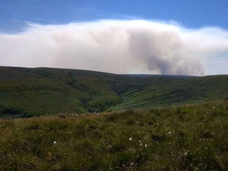 A fire on Saddleworth Moor. Pic: @youngbillh