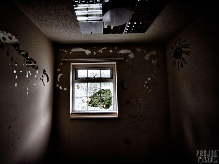Aston Hall hospital - patient room. Pic: Project Mayhem